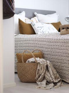 Makuuhuoneen uusi kaunis päiväpeite - Hurmaavan valkeaa Scandinavian Home, Comforters, Blanket, Bed, Creature Comforts, Quilts, Stream Bed, Blankets, Beds