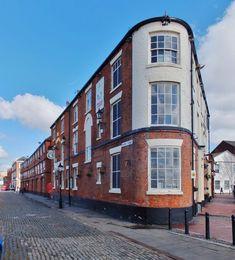 Minerva Terrace, Kingston upon Hull (C) Bernard Sharp Hull England, England Uk, British Slang, Kingston Upon Hull, Public Hotel, Hull City, East Yorkshire, Listed Building, Being In The World