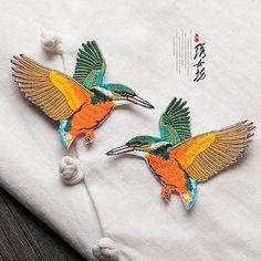Une paire d'oiseaux Vintage brodé patch pull décoration applique vintage brodés oiseaux