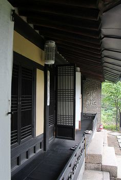 Lattice Doors on a traditional Korean home in Seokpajeong, which is a villa of Heungseon Daewongun