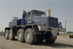 XXL-Zugmaschinen von Michael Schauer - schaurig schön. Big Rig Trucks, Heavy Duty Trucks, Mack Trucks, Heavy Truck, Dump Trucks, New Trucks, Western Star Trucks, Strange Cars, Terrain Vehicle