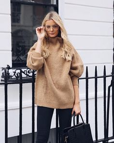 """Mi piace"": 689, commenti: 4 - Louise Cooney (@louisecooney_) su Instagram: ""Big cosy knits for the win 🙌🏼 They are always my favourite for winter! I'm loving this one from @hm…"""