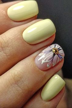 Try some of these designs and give your nails a quick makeover, gallery of unique nail art designs for any season. The best images and creative ideas for your nails. Gel Nail Art Designs, Manicure E Pedicure, Pedicures, Flower Nail Art, Yellow Nails, Pastel Yellow, Yellow Art, Yellow Flowers, Super Nails