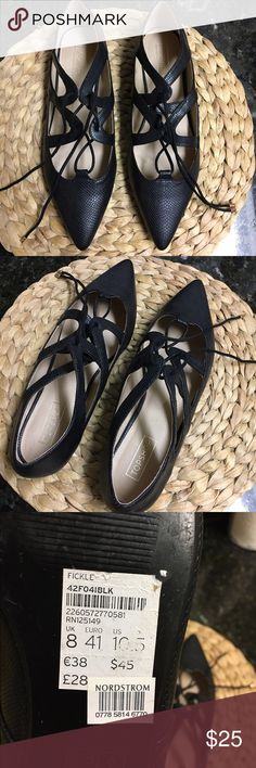 Topshop snakeskin flats BNWOT Brand new without tags Topshop black snake skin flats with tie. Euro size 41 but fits US size 9.5 (Topshop sizing is weird, but they fit me and I'm a solid 9.5 in US). Make an offer! Topshop Shoes Flats & Loafers