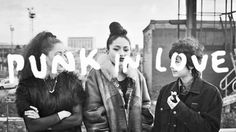 """Skinny Girl Diet: """"Riot Grrrl Was a Movement, Not a Fashion Fad"""" - Noisey"""