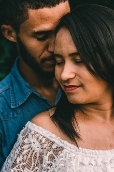 "Shamontiel wrote ""Christian Mingle vs eharmony"" (Photo credit: Hian Oliveira/Unsplash) #singlelife #dating #relationships #singlehood #SingleAndMingle #onlinedating"