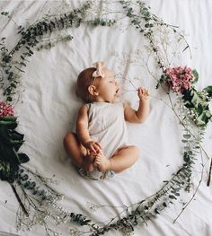 f l o w e r dreams 🌸 Danie Galindo What a cutie! Such a fun ide… – Nombres de bebés y ropa de bebé. Lil Baby, Baby Kind, Little Babies, Newborn Pictures, Baby Pictures, Photo Rose, Foto Baby, Baby Family, Everything Baby