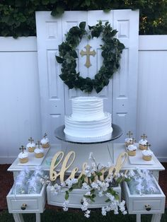 Get free woodworking tutorials and project ideas fit for beginner and advanced skill sets. Christening Centerpieces, Baptism Party Decorations, Baptism Party Favors, Baptism Invitation For Boys, Christening Party, Baby Baptism, Baptism Invitations, Baptism Ideas, Baby Boy Christening Decorations