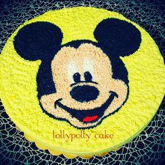 Torta panna topolino Symbols, Letters, Disney, Cake, Icons, Mudpie, Letter, Fonts, Cheeseburger Paradise Pie