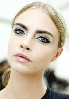 Primodels Review-Style Spotlight Model Cara Delevingne