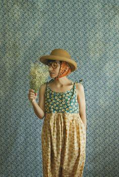 xMOTHERx.  farmers jumper floral.