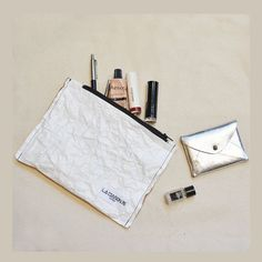 9a6227bb07496 New pouch made of new material Tyvek