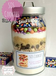 Mason Jars 502644008391639537 - SOS Cookies aux Smarties Source by Mason Jar Meals, Mason Jar Gifts, Meals In A Jar, Mason Jars, Christmas Crafts For Adults, Christmas Food Gifts, Noel Christmas, Diy Food Gifts, Edible Gifts