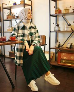 146 trendy skirt pleated outfits modest fashion – page 1 Modern Hijab Fashion, Street Hijab Fashion, Hijab Fashion Inspiration, Abaya Fashion, Muslim Fashion, Modest Fashion, Fashion Outfits, Fashion Tape, Bollywood Fashion