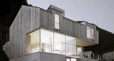 HELVED: Dette arkitektegente heltrehuset ligger sør i Østerrike.  Foto: Holz 100