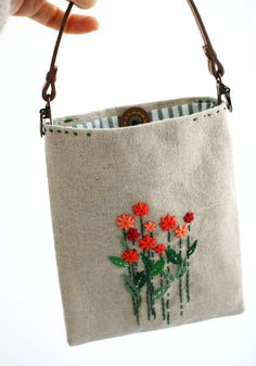 Embroidery Bag Pattern Handbags Ideas For 2019 Handbag Patterns, Bag Patterns To Sew, Handmade Handbags, Handmade Bags, Embroidery Purse, Lace Bag, Crochet Handbags, Fabric Bags, Bag Accessories