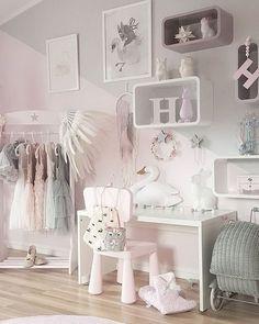 weißes Kinderzimmer für Mädchen