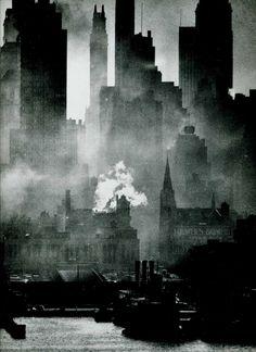 Andréas Feininger.  New York http://firsttimeuser.tumblr.com/post/4746696646/new-york-study-by-andreas-feininger