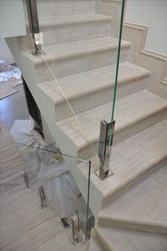 Glass Railings Стеклянное ограждение лестницы на нержавеющих стойках