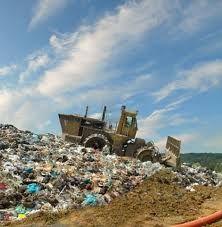 Met elkaar produceren we veel afval. Probeer dit binnen uw organisatie te verminderen door afval te scheiden en naar nieuwe oplossingen te zoeken. Verkoop van gescheiden afval levert geld op!