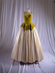 Charles James (American, born Great Britain, 1906–1978), Ball gown, 1950–52, silk. Gift of Mrs. Marietta Tree, 1965. The Metropolitan Museum of Art.