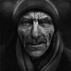 Lee Jeffries, Portrait of homeless man Lee Jeffries, Homeless People, Homeless Man, Black And White Portraits, Black And White Photography, People Photography, Portrait Photography, Photography Lighting, James Nachtwey