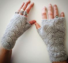 This pattern is worked in the round over 17 st and 12 rows for a total of 5 repeats. The pair of mitts shown was worked in Lotus Mimi, which is 100% mink. The simplicity of the pattern allows the beauty of this fiber, or any other similar fiber, to shine through.
