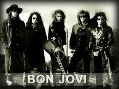 """Jon Bongiovi fin da ragazzino coltiva la passione per il rock. Suo cugino Tony è il proprietario degli studi di registrazione Power Station, a New York, e Jon inizia a lavorarci come custode ma dopo poco è in studio di registrazione a incidere demo, con musicisti anche famosi, tra cui alcuni membri della E Street Band e Aldo Nova. Uno di questi demo, """"Runaway"""", diventa un successo in una radio del New Jersey e, sulla scia di questo risultato, Bongiovi forma un gruppo, i Bon Jovi, con il ..."""