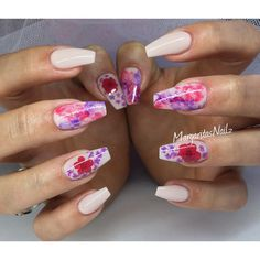 Summer nails dried flower and marble design