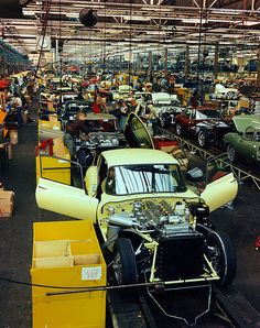 Jaguar E-Type Assembly line by Auto Clasico on Flickr.