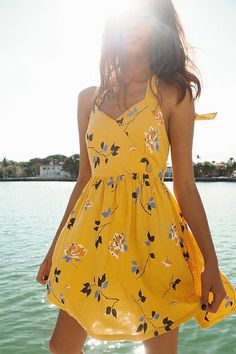 Tendenze moda estate 2019 idee di tendenza is part of Flirty dresses - UO Pippa Halter Mini Dress Urban Outfitters Image source Cute Dresses, Short Dresses, Cute Outfits, Floral Dresses, Dress Long, Elegant Dresses, Maxi Dresses, Denim Dresses, Cute Yellow Dresses