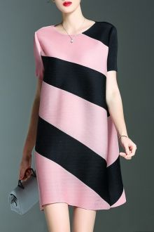 Shop shyslily pink stripe short a line dress here, find your mini dresses at dezzal, huge selection and best quality. Dresses For Teens, Trendy Dresses, Casual Dresses, Fashion Dresses, Mini Dresses, Dresses Online, Short A Line Dress, Short Sleeve Dresses, Pinafore Dress