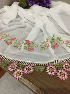 This Pin was discovered by ayş Hand Work Embroidery, Embroidery Stitches, Kurti Patterns, Silk Painting, Needlepoint, Boho Shorts, Needlework, Tassels, Diy And Crafts