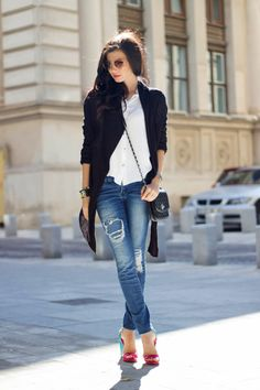 19 Favorite Boyfriend Jeans For Woman (these aren't boyfriend jeans but whatev)