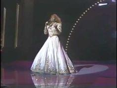 Reba McEntire - For My Broken Heart - 1991 Country Awards.