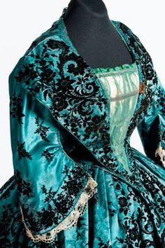 """Dress (detail) ca. 1850 From the exhibition """"Hilos de Historia"""" at El Museo Nacional de Historia"""