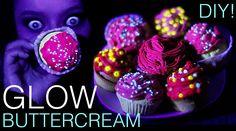 Glow in the dark cupcakes (buttercream) - UV reactive - Halloween food ideas