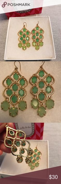 Stella and Dot Green Chandelier Earrings In excellent condition. I've only tried them so they are still in pretty new condition. I️ just have a lot a jewelry and need to clear out my closet. These are beautiful statement earrings great for adding a pop of color to any outfit. Does not ship in the original box but I️ will box them up nicely for you. Reasonable offers welcome. Bundle and save 💕 Stella & Dot Jewelry Earrings