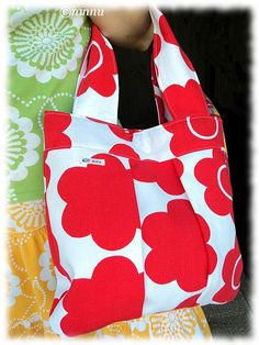 Kukikkaat kuosit: Kesälaukku