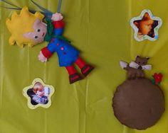 Kit Pequeno Príncipe + 3 pombos + planeta. Kit confeccionado em feltro. Acompanha 3 (três) pombos (16 cm cada), planeta com raposa e rosa.  Ideal para ser usado em painel.  ** Painel personalizado não incluso R$ 85,00