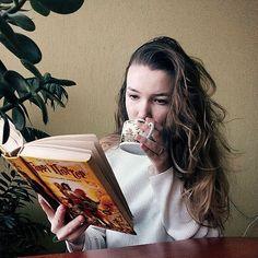Always⚡ . #read #reading #cozy #photography #idea #instagram #instaidea #instagramidea #vscocam #coffeebreak #relax #room #hair #girl #hipster #tumblrgirl . . . #harrypotter #rhpfreetime #instaweek #tea #coffee #book #vsco #vscocam #tumblr