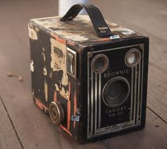 Have one of these old brownie camera's at the store with the original price tag being 8.95