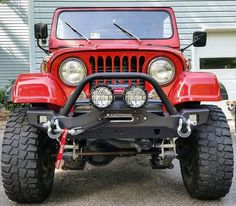 Patrick sent us some shots of his CJ7 running our Crusader front bumper. Love the way a modern looking front bumper looks on a classic Jeep   Order one today for your CJ YJ or TJ at at http://jcr.us/SWBFCB