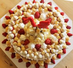 trionfo di fragole... strawberry cake