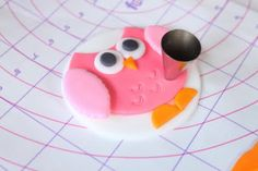 Crave. Indulge. Satisfy.: Tutorial: How to make Fondant Owl Cupcake Toppers