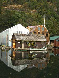 Houseboat, Genoa Bay, B.C.