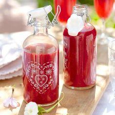 Fruchtig-frischer Himbeerlimes ist, pur oder mit Prosecco aufgegossen, der perfekte Partydrink für den Sommer. So können Sie ihn ganz einfach selber machen.
