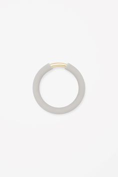 RUBBER AND METAL RING