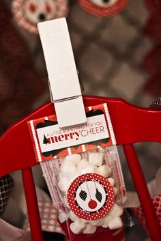 """Mod Christmas"" Party Favors #christmas #partyfavors"