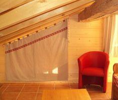 pour cette grande fen tre trap ze nous avons opter pour des stores pliss s en tissus nid d. Black Bedroom Furniture Sets. Home Design Ideas